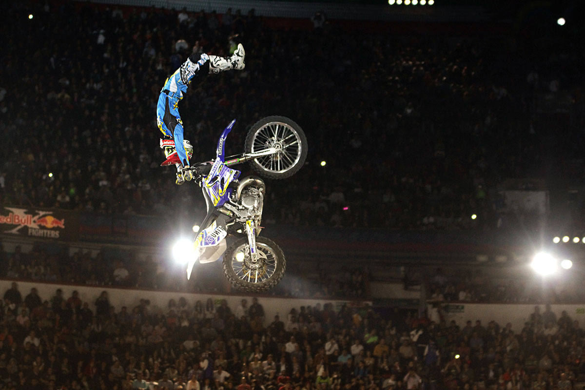 RED BULL X FIGHTERS 4