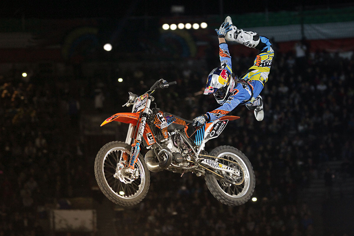 RED BULL X FIGHTERS p1