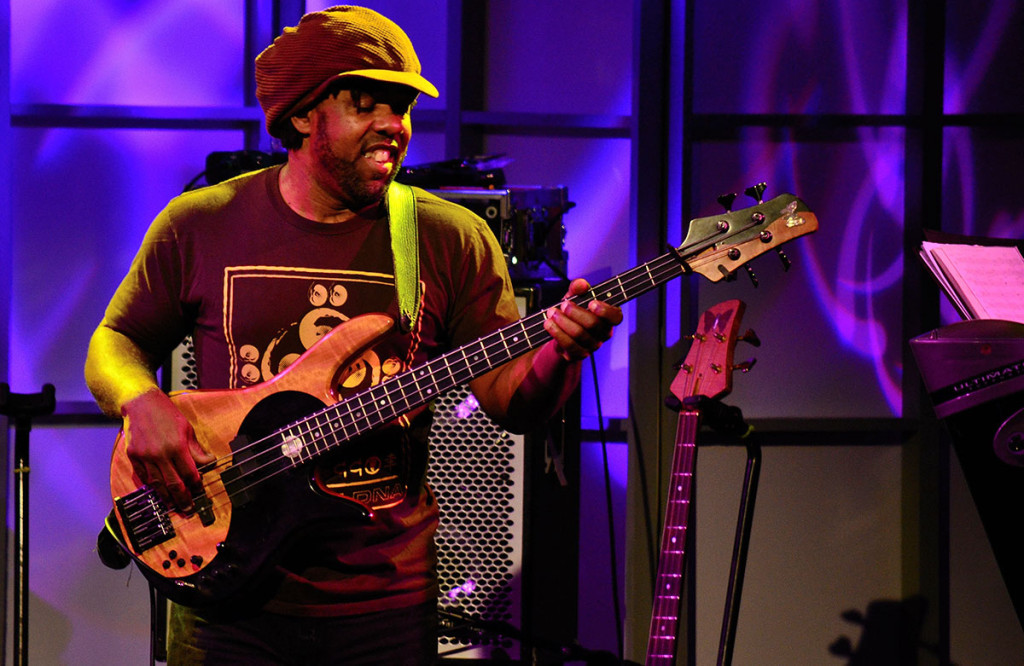 Victor wooten band m1