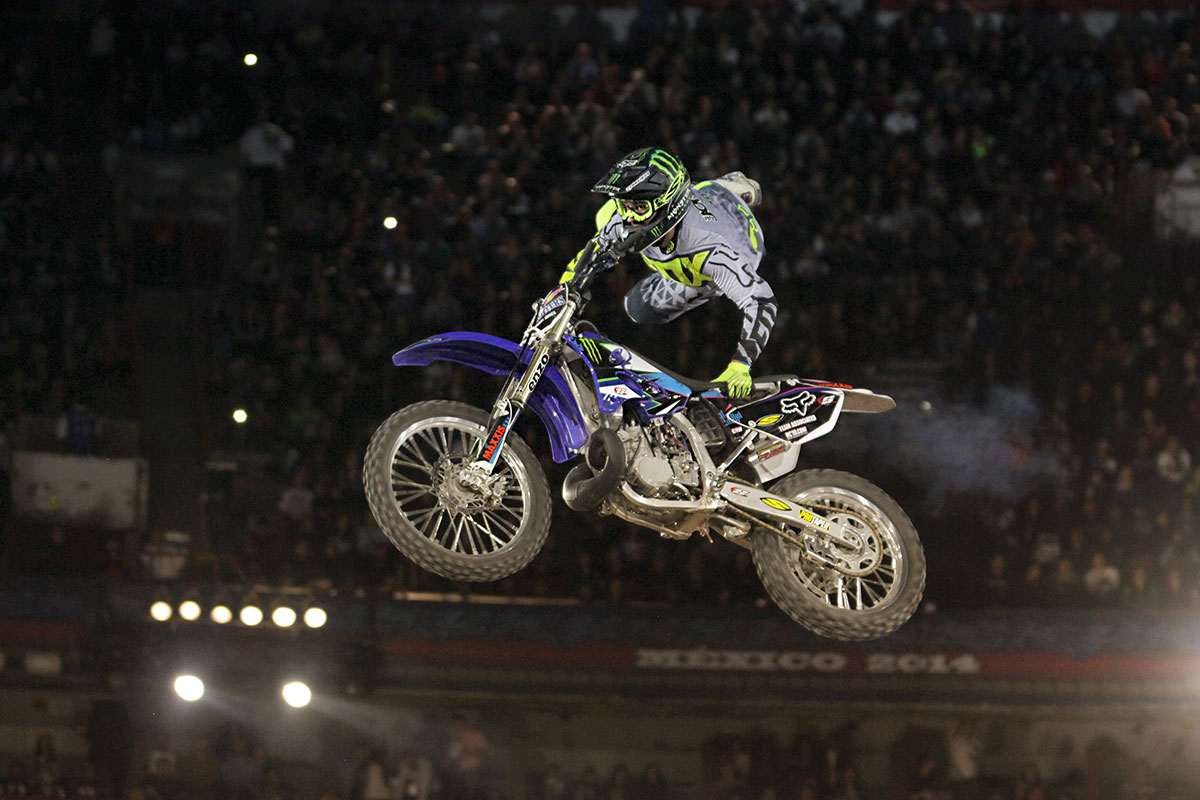 RED BULL X FIGHTERS 1