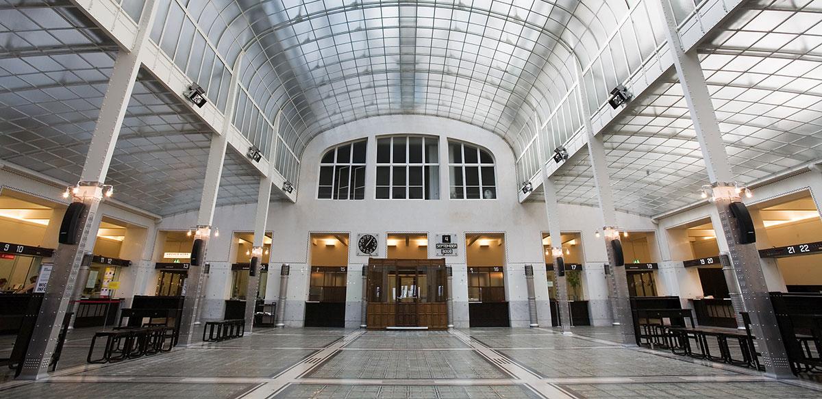 Vienna_Otto_Wagner's_Postsparkasse_