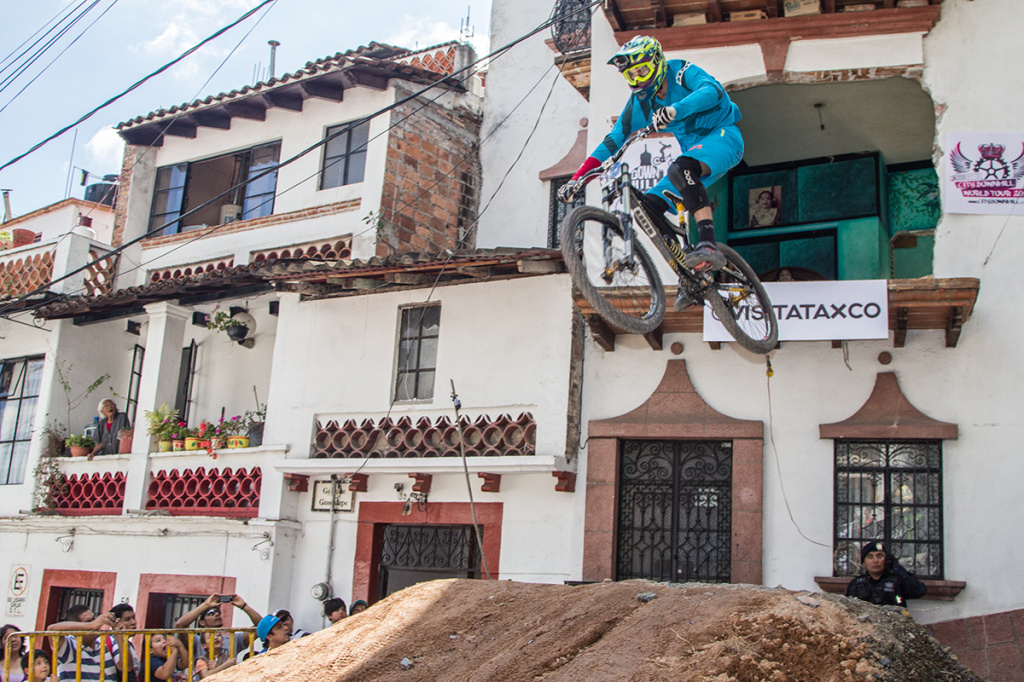 DOWN HILL TAXCO 2014-2