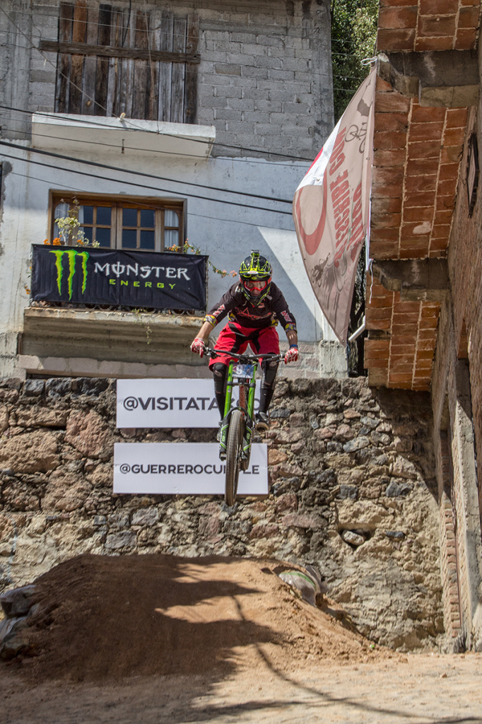 DOWN HILL TAXCO 2014-3