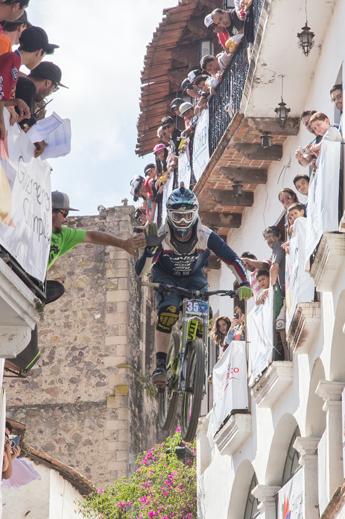 DOWN HILL TAXCO 2014-7