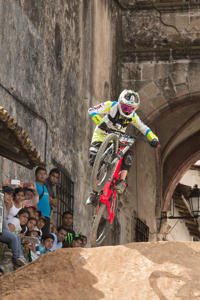DOWN HILL TAXCO 2014-8