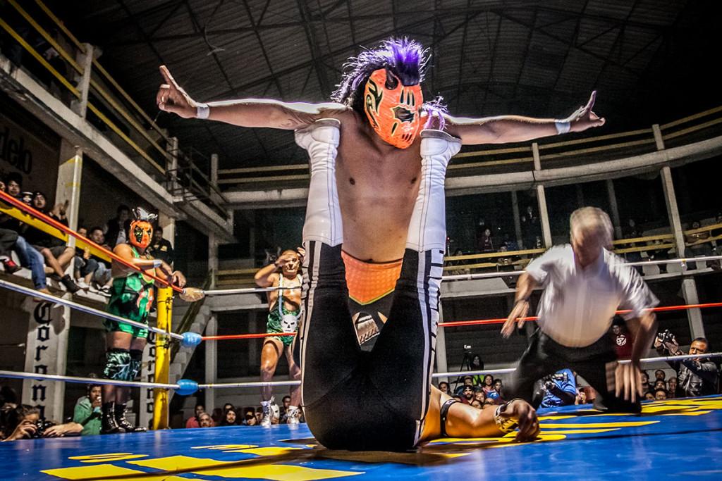 lucha-1-Último-Guerrero-y-Trauma-II