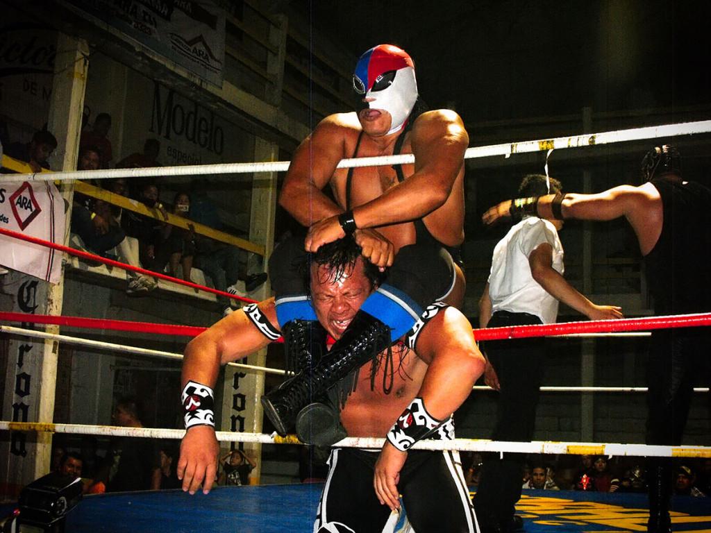 lucha-9-Fuerza-Guerrera-y-El-Último-Guerrero