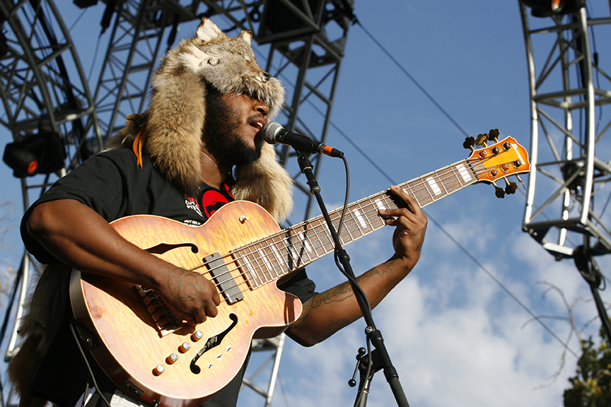 Thundercat bass player