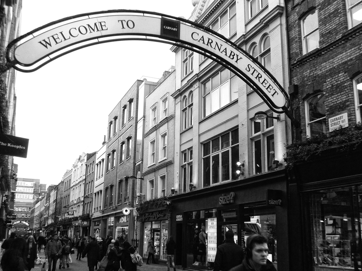 carnaby street punk londres