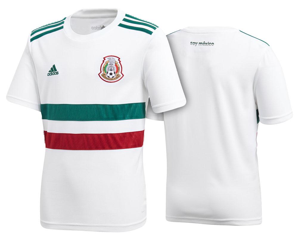 ... en verde bandera y una línea roja en medio. La marca encargada de este  jersey es nada más y nada menos que Adidas. Aquí puedes comprar tu camisa. 9ff73d0e05926