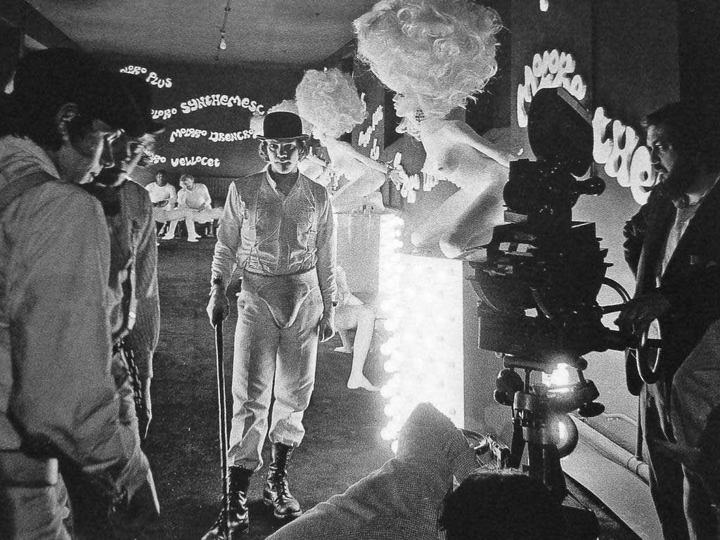 Malcolm McDowell en filmación de A Clockwork Orange