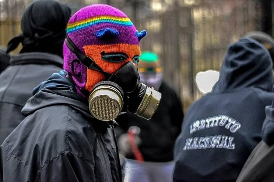 encapuchado, manifestación, máscara