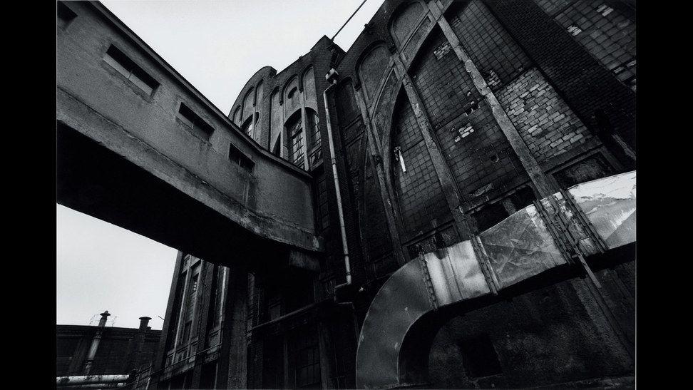 fábrica abandonada foto D. Lynch