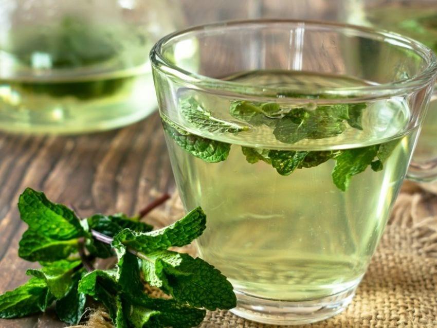 agua de hierbabuena para reducir estrés y ansiedad